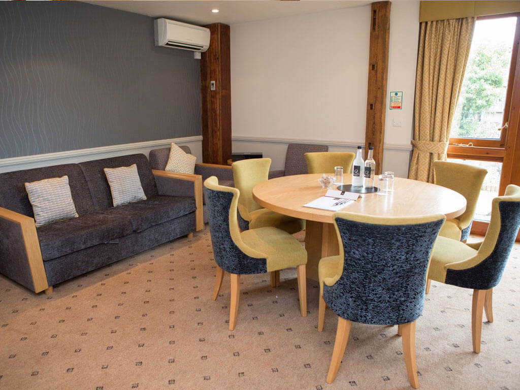 the-munro-room-quy-mill-hotel-and-spa-3