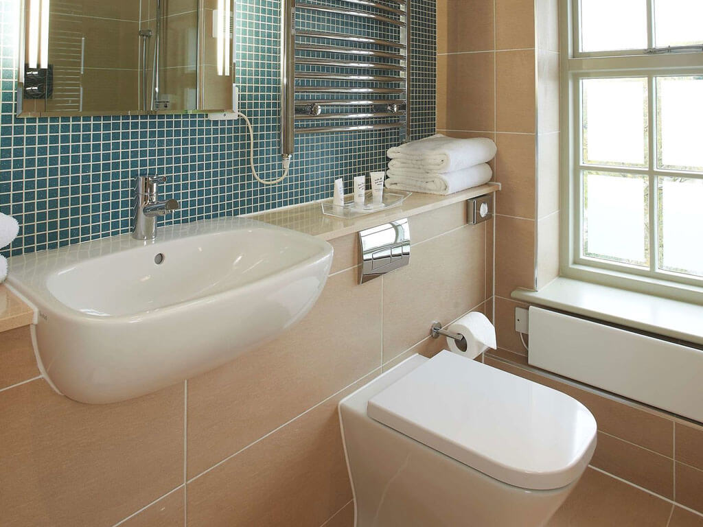 Quy Mill Hotel Bathroom